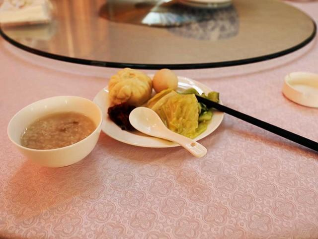 03_朝食はバイキング.jpg