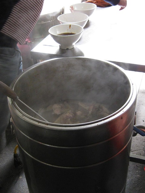 14_小面No1店スープにこだわり.jpg